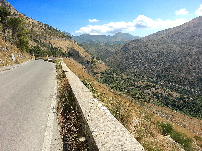 On the descent to the town of Torretta