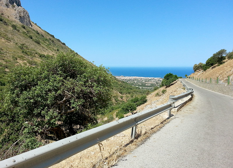 On the descent towards the town of Cinisi