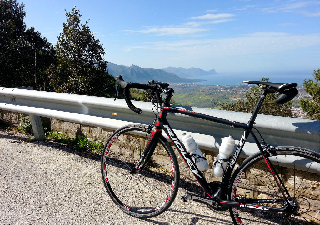 On the climb to the Bosco di Alcamo