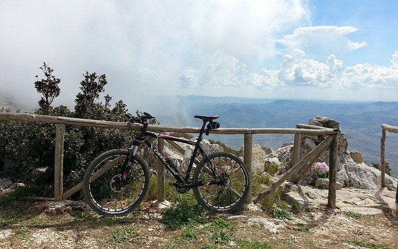 My Cannondale F4 near the watchtower, the highest point on the mountain.