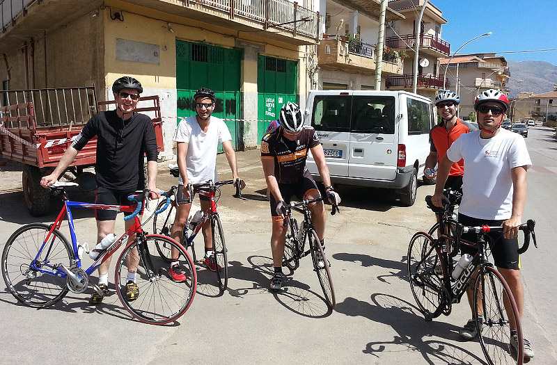 The group of friends before the ride