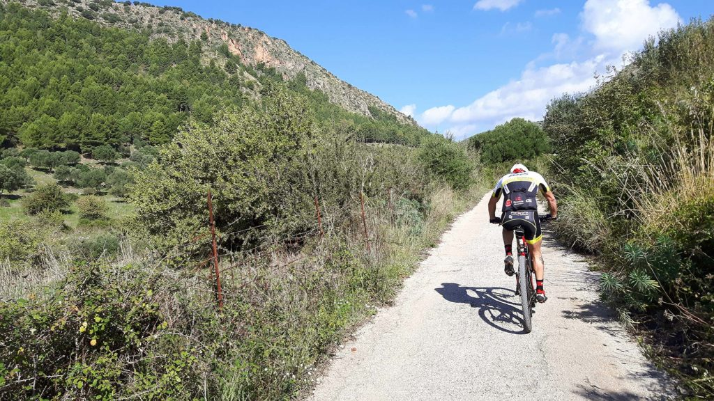 Caimano nearing the start of the climb