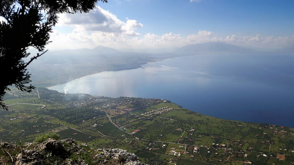 A spectacular view of the Golfo di Castellammare and its coastal towns
