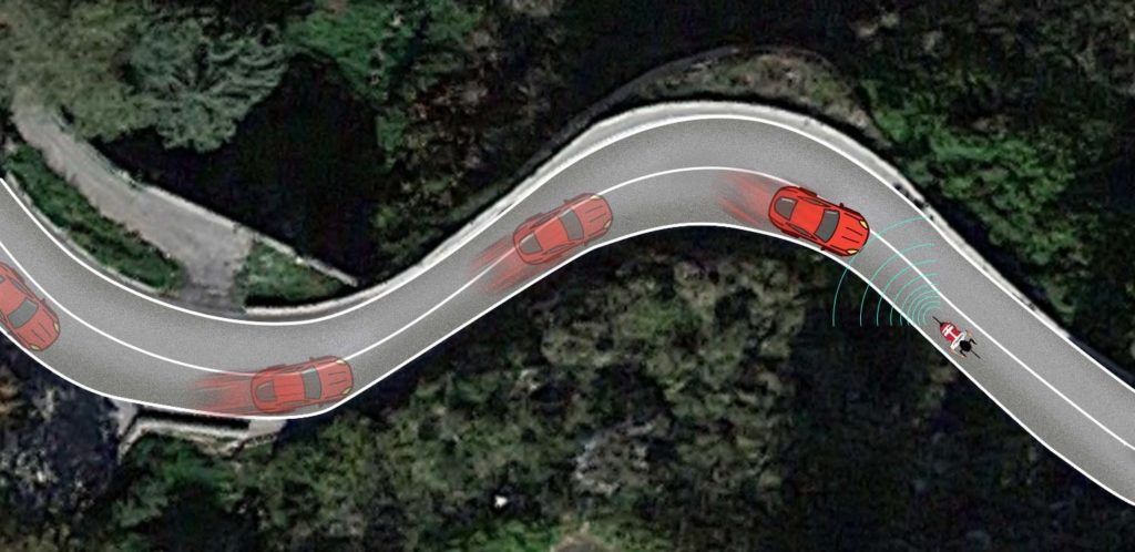 When cars approach fast on a climb with many curves in the road, the radar detects them quite late.